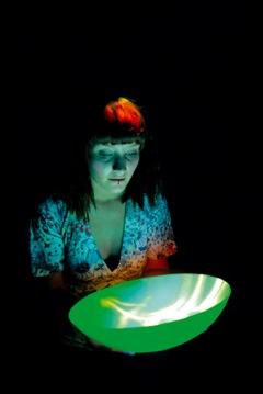 Lynette Wallworth, Hold: Vessel 1, 2001